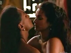 डिल्डो और वाइब्रेटर के सेक्स हिंदी मूवी साथ खेलते हैं