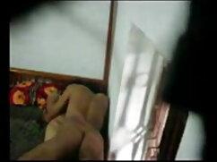 एमेच्योर खुद एक कुर्सी हिंदी सेक्सी मूवी में चुदाई करता है