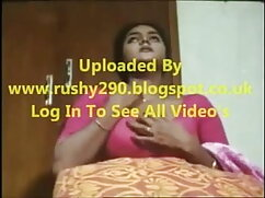 सेक्सी आउटफिट्स के साथ गोरा। सेक्सी हिंदी मूवी वीडियो में