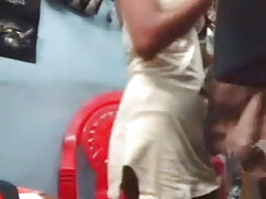 सींग का बना दोस्त उसके डिक एक परिपक्व बेब हिंदी वीडियो सेक्सी फुल मूवी में गीला हो जाता है